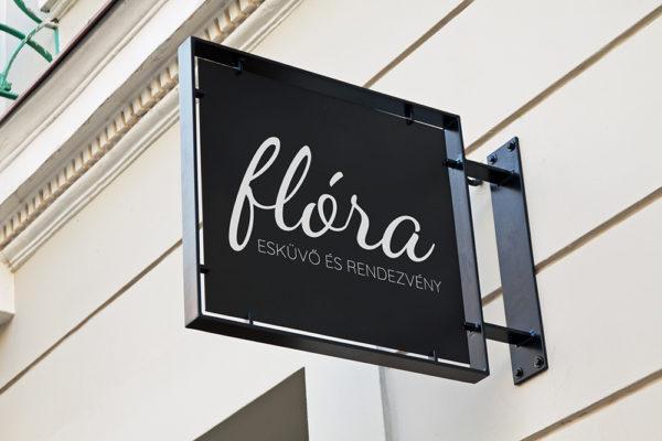 Flóra üzlet kicsi Elsődleges logó kezdő női vállalkozásoknak