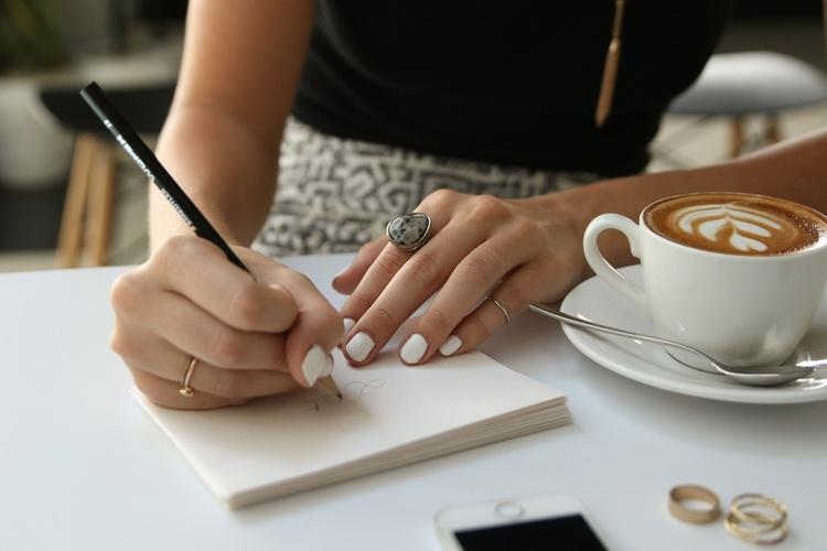 Hogyan szerezz ügyfeleket hatékonyan? Automata email sorozat listával, ami akár azonnal bevételt, vagy ügyfelet hoz.